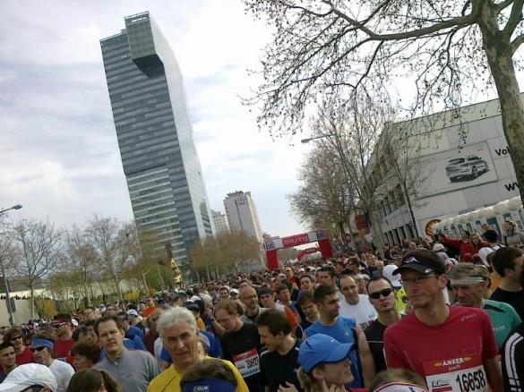 bec start 585x438 Bečki maraton 2010