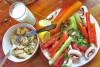 Vekijev trkački obrok (za pre, a može i posle): raviole sa tunjevinom i maslinovim uljem, gomila svežeg povrća i jogurt