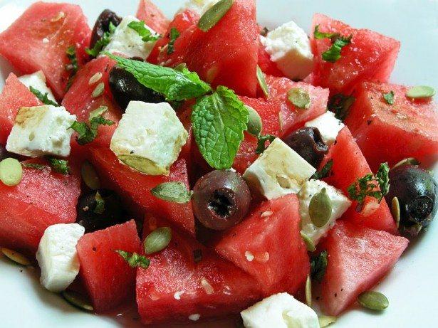 Hrana - Page 4 Salata-lubenica-615x461