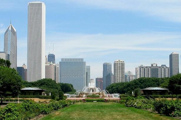 800px Buckingham Fountain Chicago 615x409 Vodič kroz najveće maratone sveta