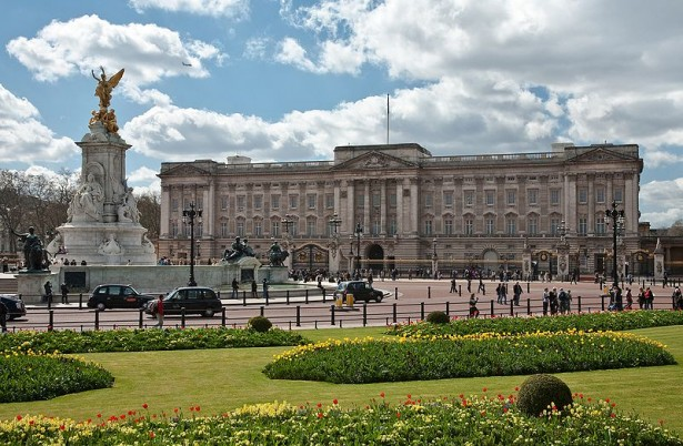 800px Buckingham Palace London   April 2009 615x402 Vodič kroz najveće maratone sveta