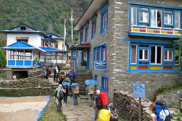 himalaji ljudi na treku 615x408 Next step: Šetnja po Himalajima!