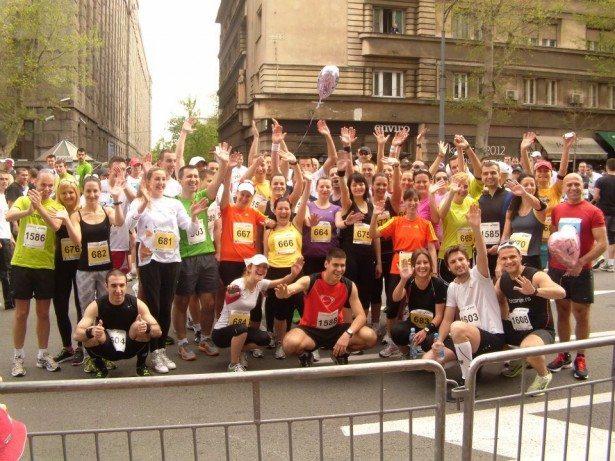 ekipa Trčanje.rs bg maraton 615x461 Beogradski maraton iz ugla Trčanje.rs