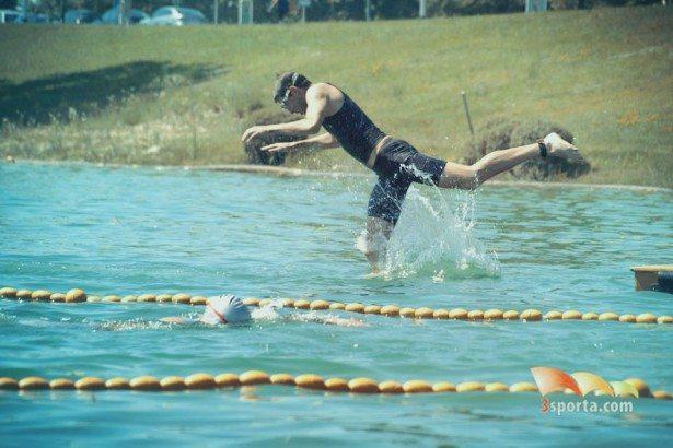 veki-skače-u-vodu