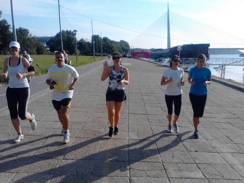 Lokalne ekipe za trčanje: neka trkačka žurka počne