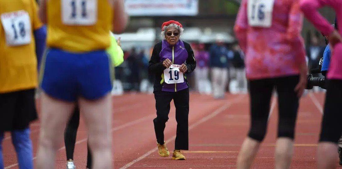 Stogodišnjakinja oborila rekord na 100m!
