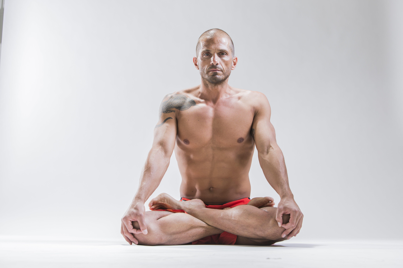joga u ziri instruktor